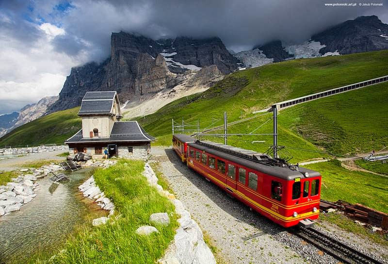 Jungfrau mountain railway in the Alps Switzerland – Ritebook -001
